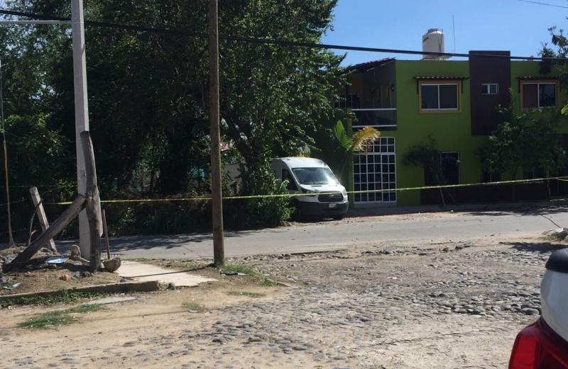 Dejan cubetas con cuerpo desmembrado en Manzanillo