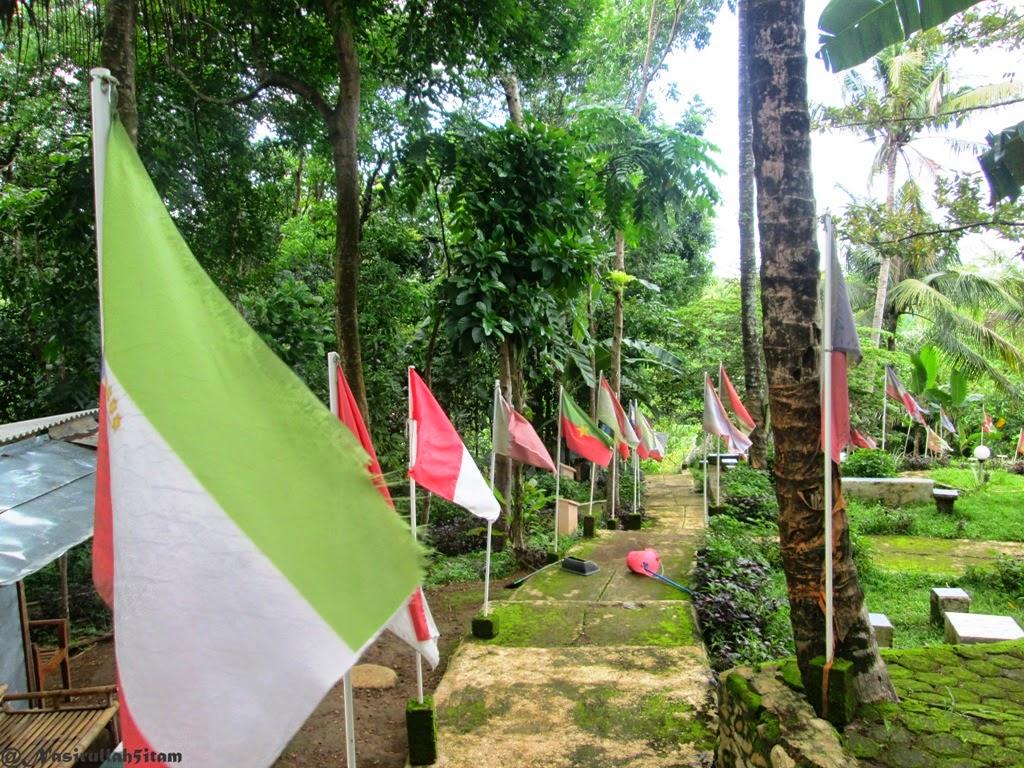 Bangunan dan kibaran bendera Negara-negara di dunia