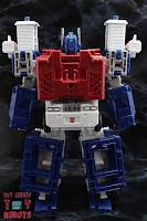Transformers Kingdom Ultra Magnus 06