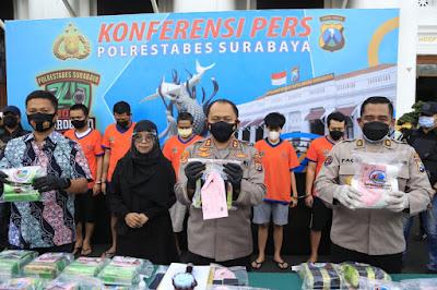 20,5 Kg Sabu Siap Edar Berhasil Diamankan Satresnarkoba Polrestabes Surabaya
