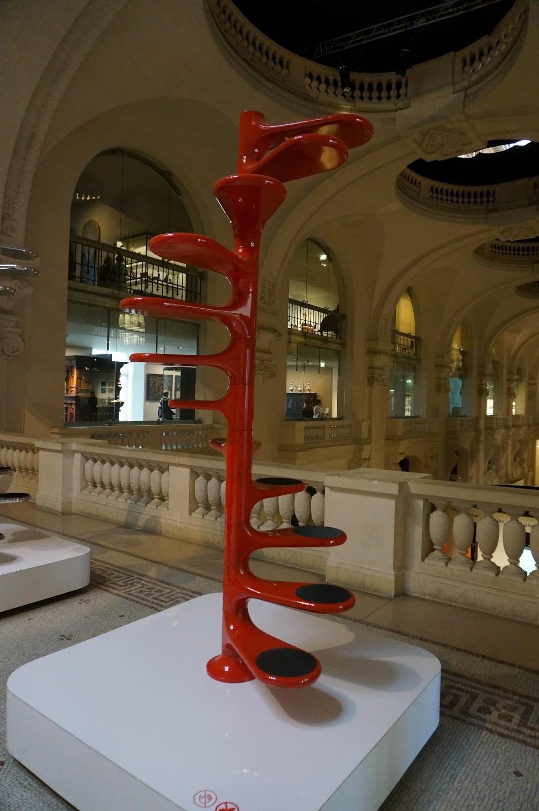 Crazeegirl 39 s world roger tallon le design en mouvement les arts d - Escalier roger tallon ...