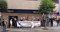Concentración na oficina do BBVA da rúa Urzáiz 99, Vigo