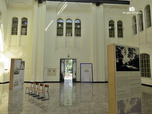 Vista do espaço expositivo central do Edifício Ramos de Azevedo - Bom Retiro - São Paulo