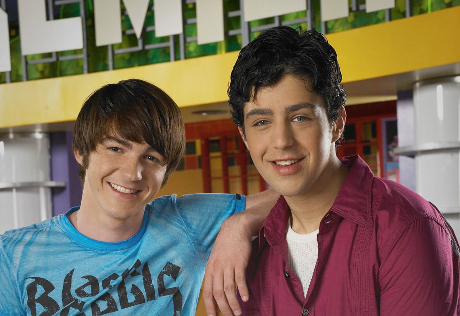 a viral tweet that said that netflix could potentially be adding nickelodeons hit noughties comedy series drake josh to its programming library has been - Merry Christmas Drake And Josh Movie