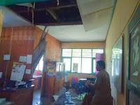 Plafon Ruangan di DKP Ambruk, Semua Pegawai Lari Berhamburan