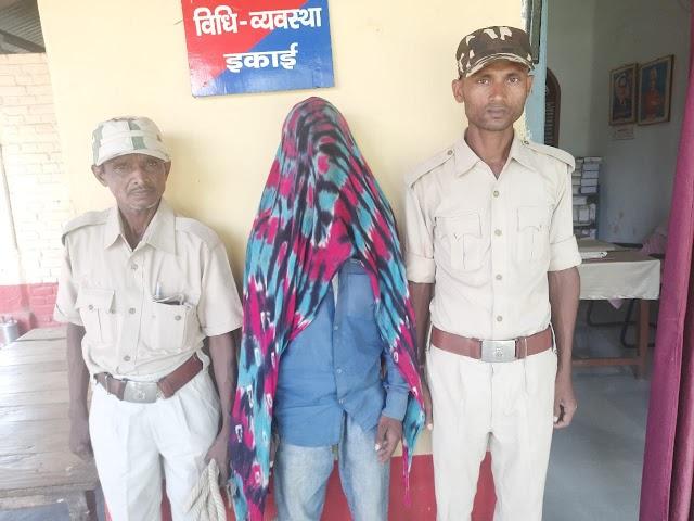 शराब के नशे में कर रहा था हंगामा, पहुँच गयी मधवापुर पुलिस
