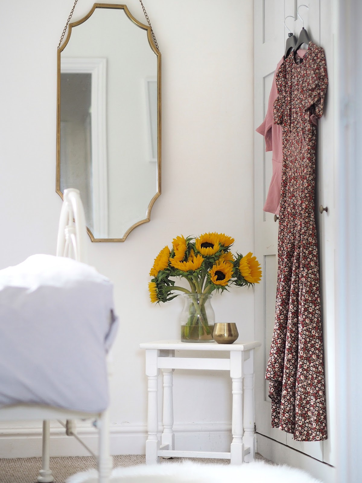 easy ways to declutter and spring clean your home, and save space in small houses. Use clever hidden storage, have regular spring cleans and get rid of anything you haven't worn in a year. Home organisation tips and ways to make spring cleaning and keeping your home tidy.