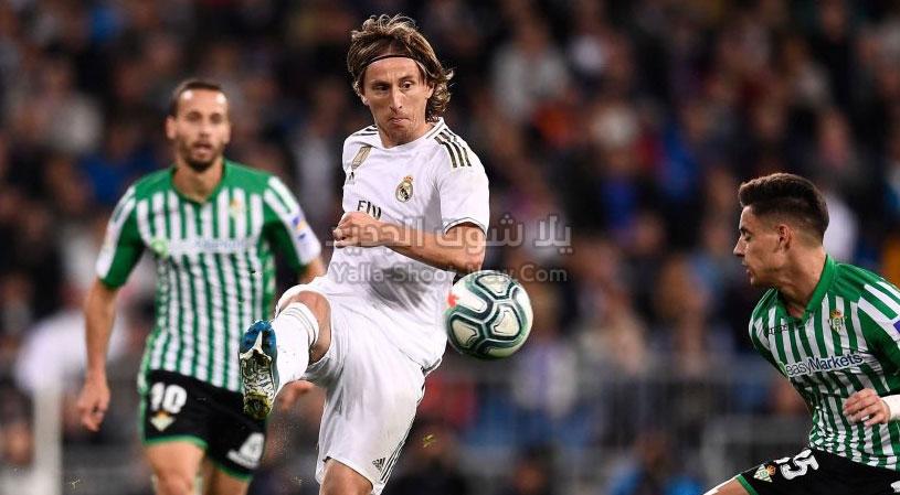 ريال مدريد يتعثر أمام فريق ريال بيتيس بالتعادل السلبي بدون أهداف في الدوري الاسباني