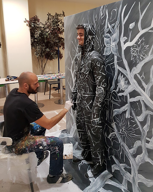Invisible Man: 3D Art Live Performance by Ben Heine - Flesh and Acrylic - Branches and Flowers - Özgür Ayyıldız - Ankamall