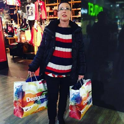 Shopping, De Compras, Compras, De tiendas, Centro comercial San vicente del Raspeig, Outlet Stores, Blogger Alicante, Influencer, Solo Yo, blog Solo Yo, fashion blogger, Fashion Youtuber, REbajas, Desigual, ABrigos Desigual, Patín Eléctrico, Aliexpress,