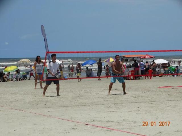 Torneio de Beach Tênnis fez sucesso no Ilha Verão