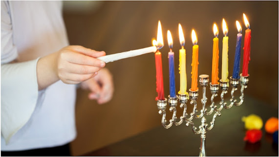 how to light a menorah