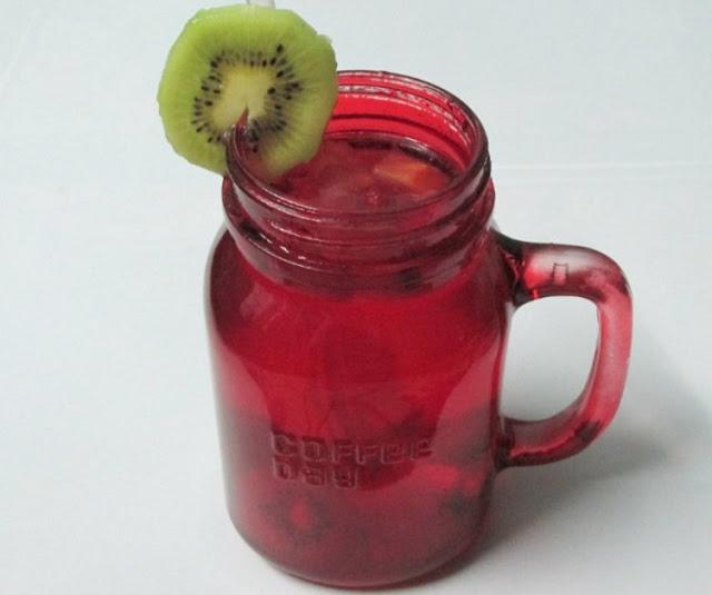 """DIY: Cách làm toner trái cây """"siêu dưỡng ẩm chống lão hóa"""""""