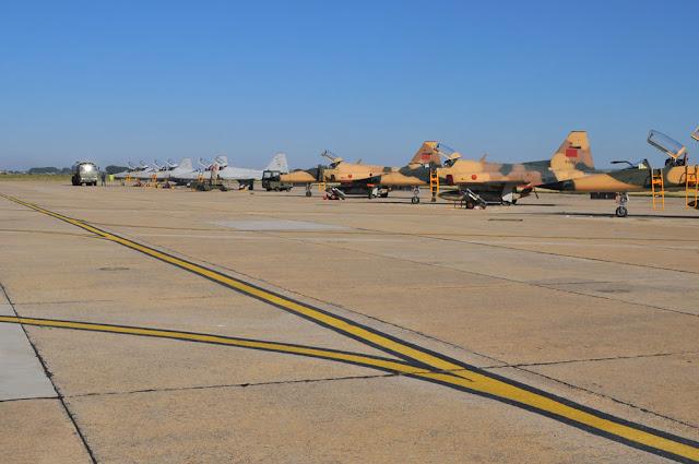 Cazas de Marruecos se adiestran en España con aviones F-5 del Ala 23 y C-101 de Salamanca