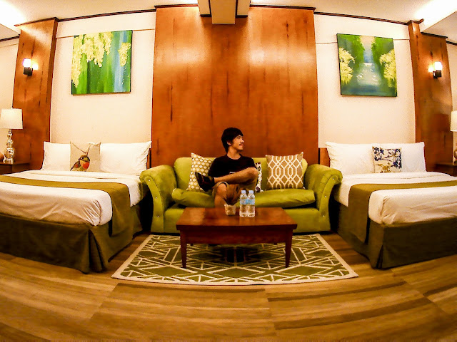 lakeview suites tagaytay review  lakeview suites tagaytay contact number  lakeview suites tagaytay blog  lakeview suites tagaytay reviews  lakeview suites tagaytay address  tagaytay hotels  escala tagaytay  tavern by the lake tagaytay