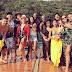 Angélica posta foto e mostra Bruna Marquezine e Neymar abraçados