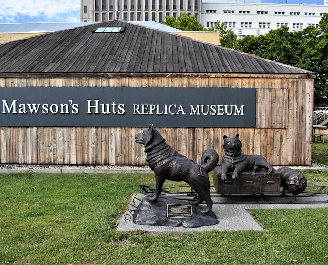 Hobart Public Art   Husky Memorial by Dan Tucker