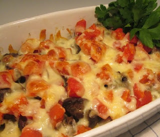 запеченная куриная печень с помидорами по-итальянски