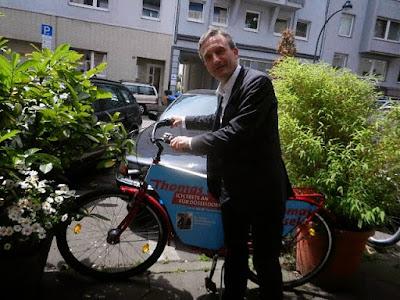 http://www.express.de/duesseldorf/exklusives-interview-ob-geisel--so-brachte-ich-die-tour-nach-duesseldorf-27762540?originalReferrer=