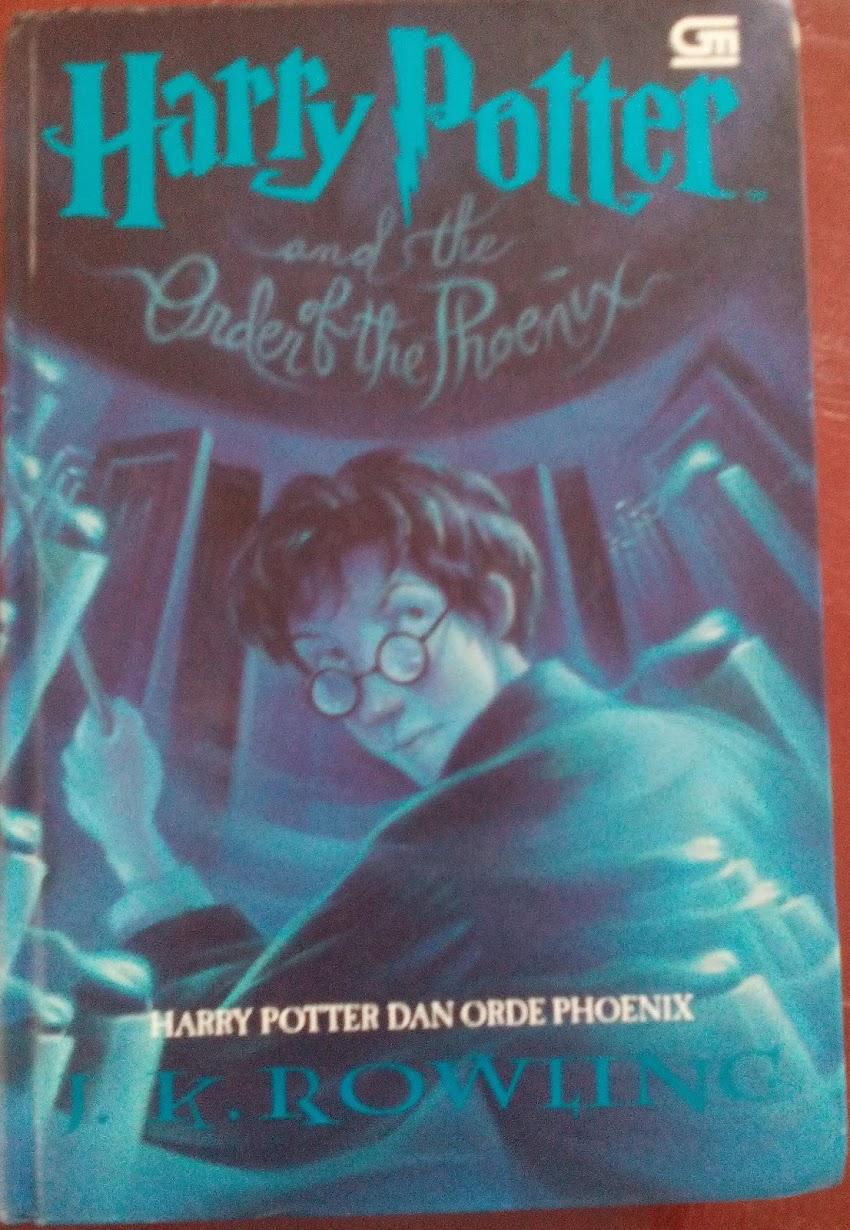 Harry Potter Dan Orde Phoenix oleh J.K Rowling