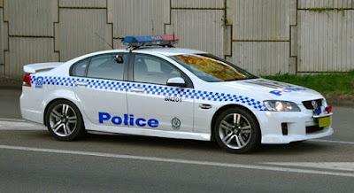 Coche policía con radar
