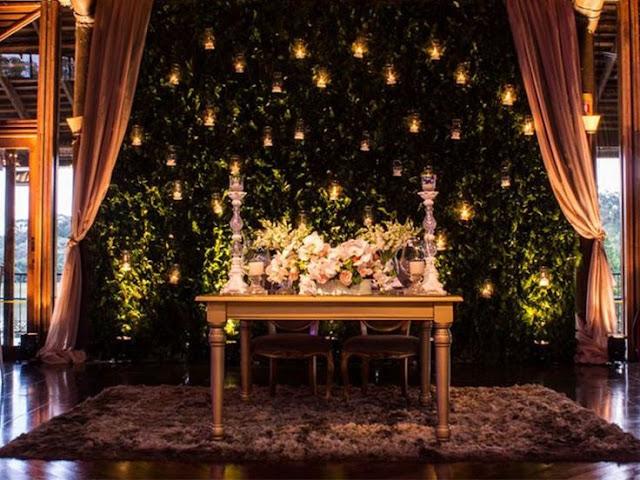 Decoracao-criativa-para-casamento-muro-ingles-ou-parede-inglesa-com-luz