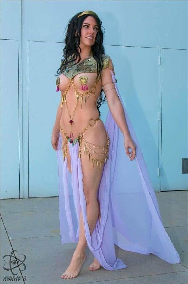 Jacqueline Goehner Cosplaying as Dejah Thoris