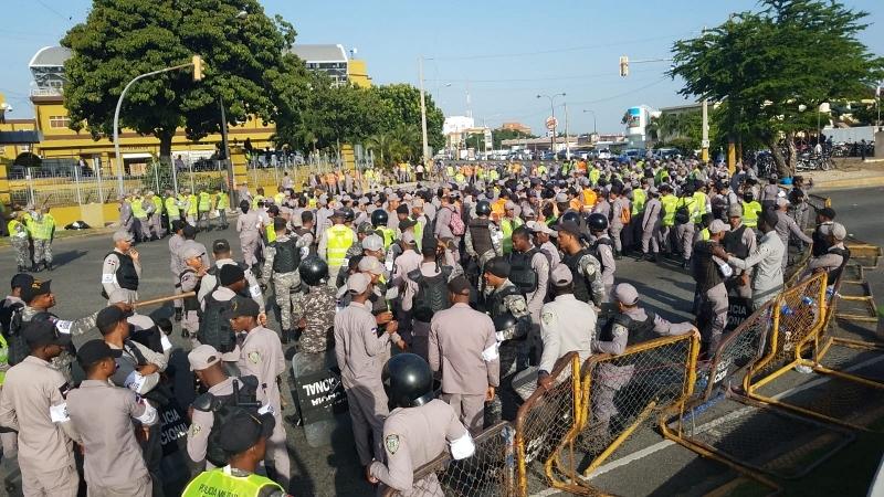 Cercan sede de JCE ante llamado a protesta de leonelistas