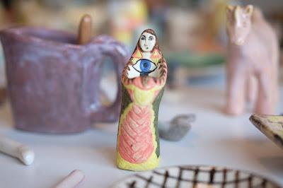 栞日(しおりび)タカノミヤさんの陶器作品