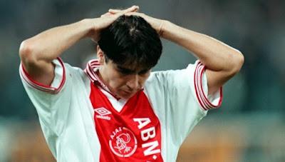 Sonby Silooy (Final 1996) 7 Pemain Biang Kegagalan Timnya dalam Sejarah Adu Penalti Champions League