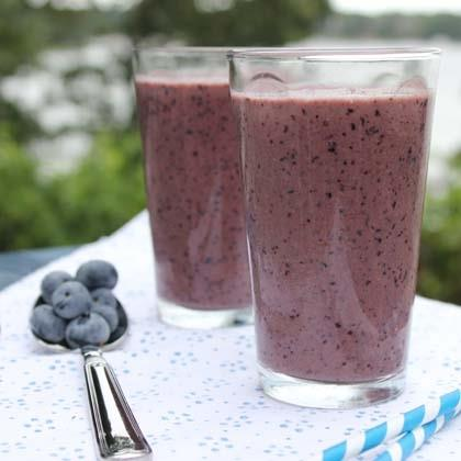 Berry Blueberry Smoothie (with Sneaky Spinach)