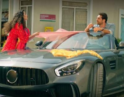 Çatı Katı Aşk Ateş'in Kullandığı Araba Markası Ne