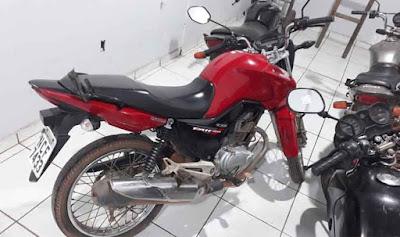 Resultado de imagem para idoso preso motocicleta furtada