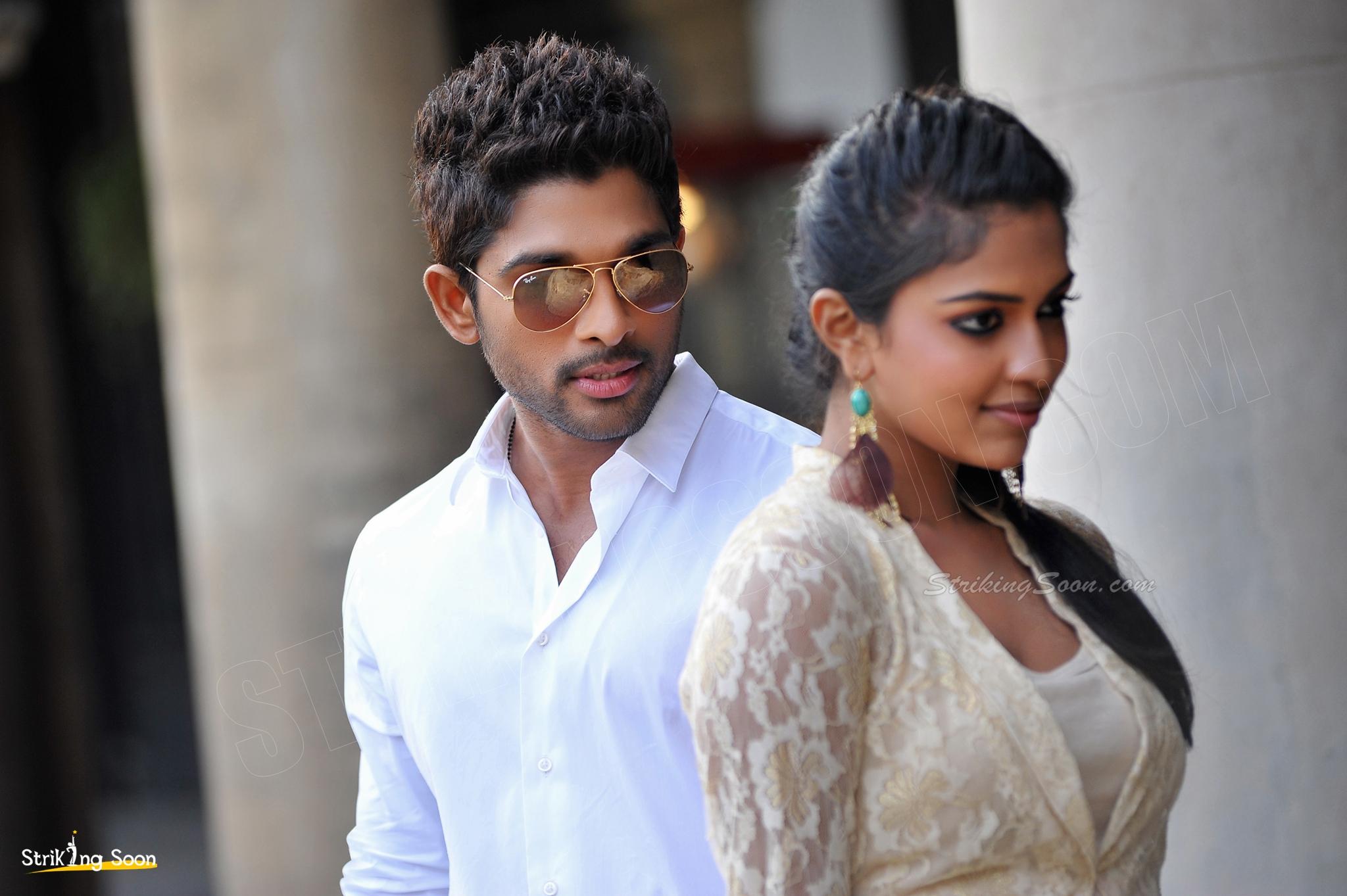 Allu Arjun And Amala Paul In Iddarammayilatho Latest Stills Allu Arjun , Amala Pau...
