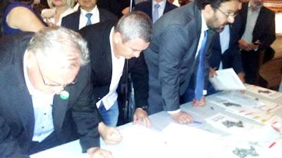 Prefeito Geraldino Júnior assina convênio para a construção do Centro de Eventos da Ilha Comprida