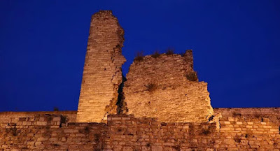 Σεισμός στην Κωνσταντινούπολη: Ρωγμές στα βυζαντινά τείχη της Πόλης προκαλούν ανησυχία