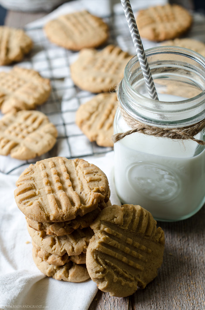 Best ever recipe for Peanut Butter Cookies....and so simple too!  #recipe #cookies #peanutbuttercookies #andersonandgrant