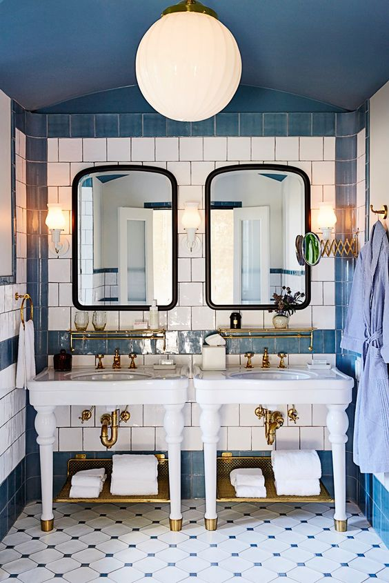Monday Blues: 6 Cozy Blue Bathrooms