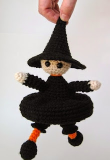 http://www.simplycollectiblecrochet.com/sweetest-lil-witch-amigurumi.html
