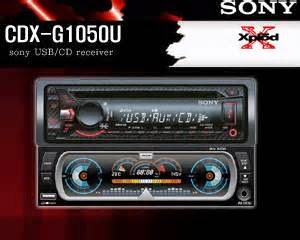 Sony-cdx-g1050u. yaitu Head unit head unit mobil sony digunakan sbg pemutar CD/VCD player mobil. Built in frekuensi AM/FM. Dengan Compatible media audio CD, MP3 player. USB conection, Format WMA, CD Audio files, CD-R/CD-RW. Quick Browser navigasi sebagai pencari dari tiap-tiap folder lagu dengan cara automatis. RDS Steereing Remote compatible hingga Audio input Ready. Audio Front AUX. RCA Rear Output. Max Power 55 X 4 WAtt RMS. Front USB conection. Equalizer menu. Compatible dengan Smartphone Android.