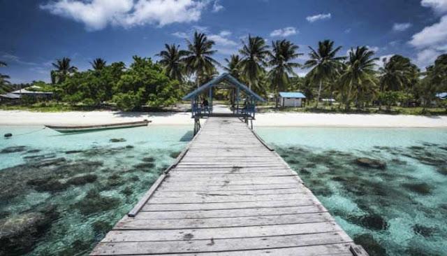 Menjelajahi Desa Wisata Arborek Di Raja Ampat MENJELAJAHI DESA WISATA ARBOREK Di RAJA AMPAT