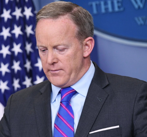 sean spicer resigns
