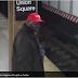 """VIDEO - Hombre negro con gorra pro Trump """"MAGA"""" avienta a hispano a vías del Metro en Nueva York"""