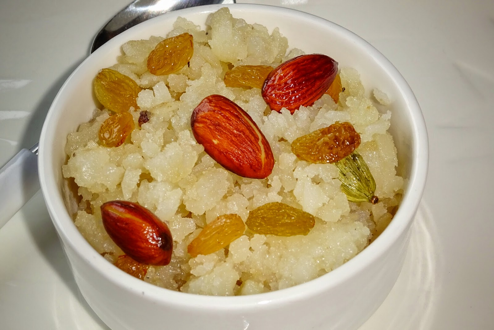 http://vegindiancooking121212.blogspot.in/2014/09/meetha-poha-sweet-rice-flakes-recipe.html
