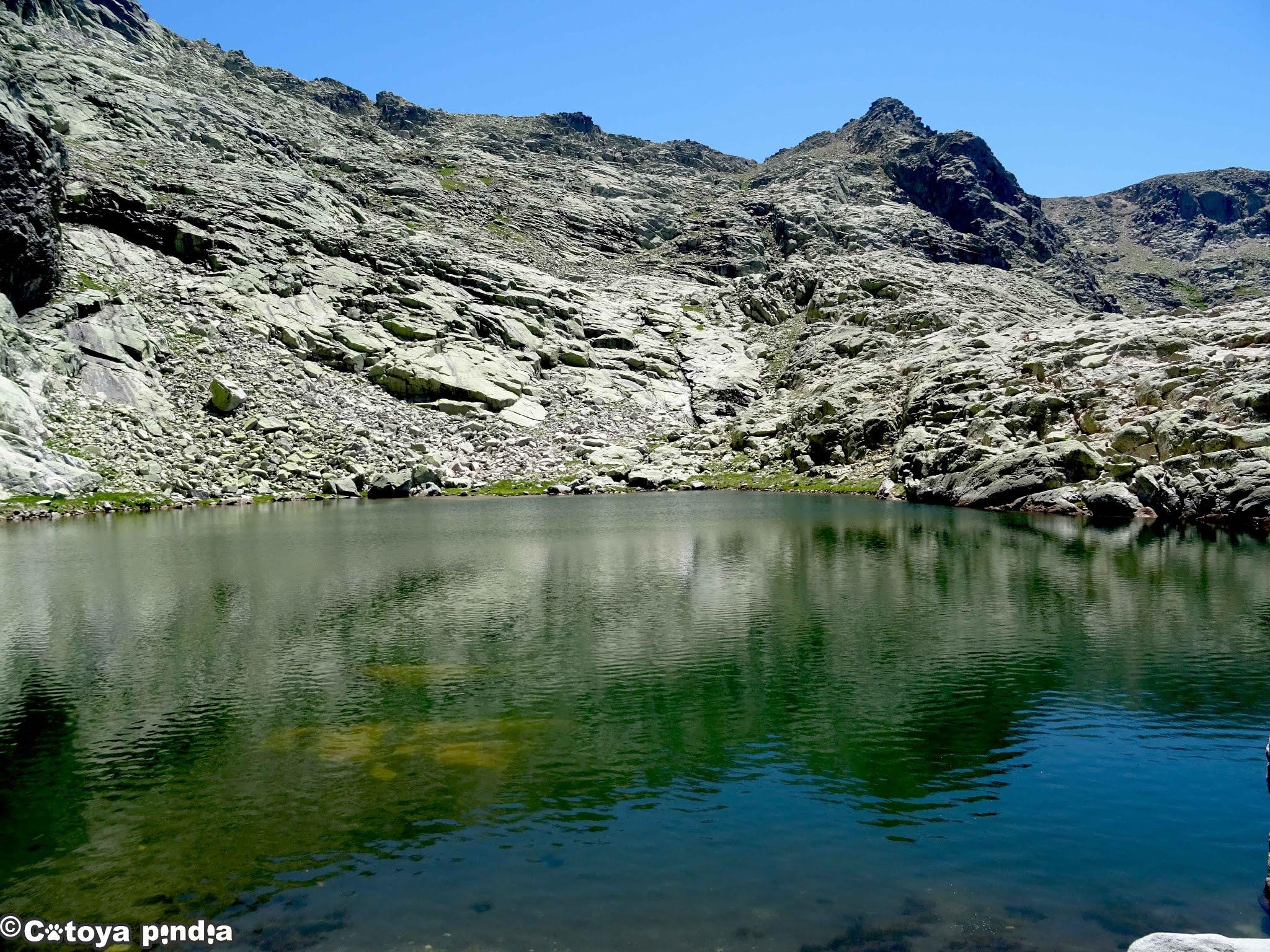 Laguna Cuadrada bajo la Covacha