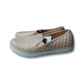 Jual Sepatu Karet Wanita Merk  Yumeida 7042