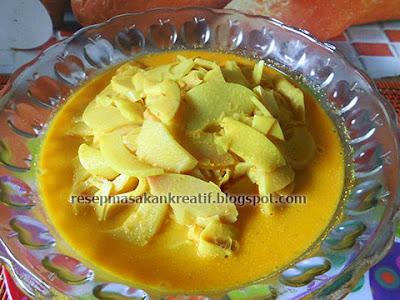 Masak kuah santan bumbu kuning yaitu satu variasi cara memasak rebung yang enak RESEP SAYUR REBUNG SANTAN BUMBU KUNING