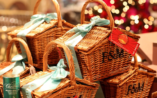 Why chocolate gift hampers is among the top selling gift hampers