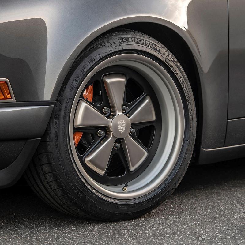 Siêu phẩm Porsche 911 Targa hoàn hảo với bản độ từ Singer Vehicle Design
