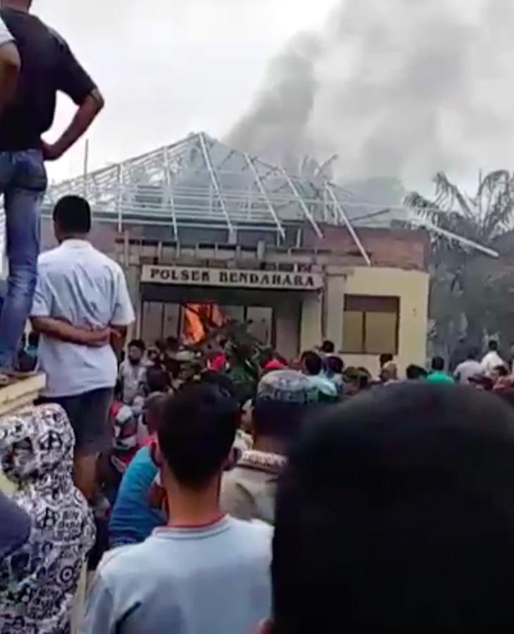 Buntut Pembakaran Mapolsek, Kapolsek Bendahara Dicopot